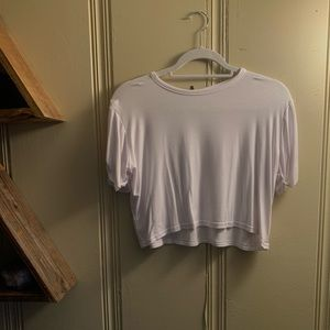 Pretty Little Thing White Cropped Tee